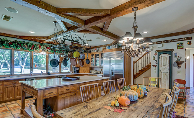 Ceiling design using wood components